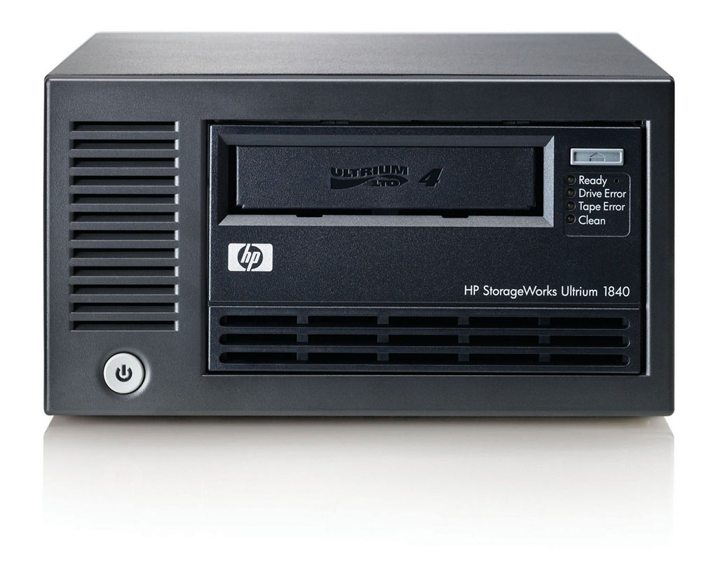 Стример HP StorageWorks Ultrium 1840   SAS Tape Drive, Ext. (Ultr.800/1600Gb; incl. HP DataPrtctrExprssSSE; 1data ctr, 1cln ctr; SAS cabl;OBDR, carbon, RoHS)