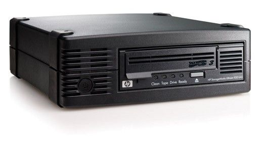 Стример HP StorageWorks Ultrium 920 SAS Tape Drive, Ext. (Ultr.400/800Gb; incl. HP Data Protector Express Basic; 1data ctr, ext SAS cbl SFF8088/SFF8088;OBDR, carbon, RoHS) analog EH848A#ABB