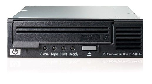 Стример HP StorageWorks Ultrium 920 SAS Tape Drive, Int. (Ultr.400/800Gb; incl. HP Data Protector Express Basic; 1data ctr, int SAS cbl SFF8482/SFF8087; OBDR, carbon) analog EH847A
