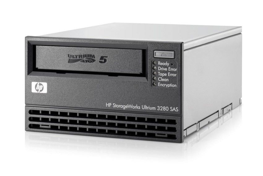 Стример HP StorageWorks Ultrium 3280 SAS Tape Drive, Int. (Ultr.1, 5, 3TB; incl. HP Data Prot.Expr.SSE; 1data ctr, 1cln ctr; int SAS cbl SFF8087, SFF8087; OBDR)
